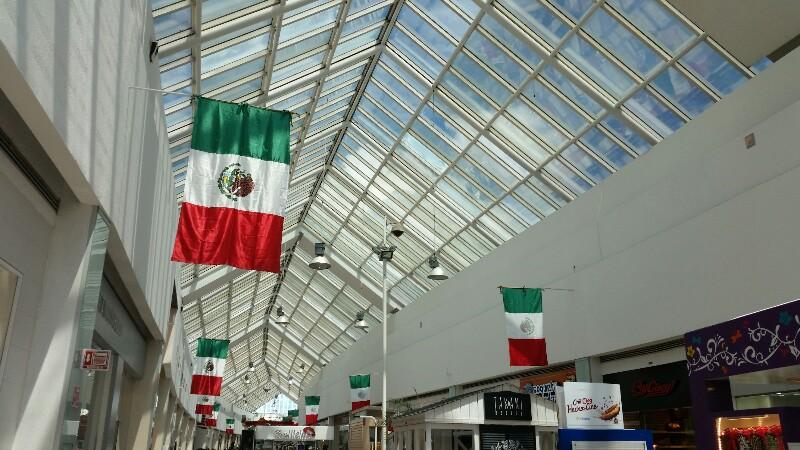 Decoración Centro Comercial Las Américas. Cancún. Septiembre 2016